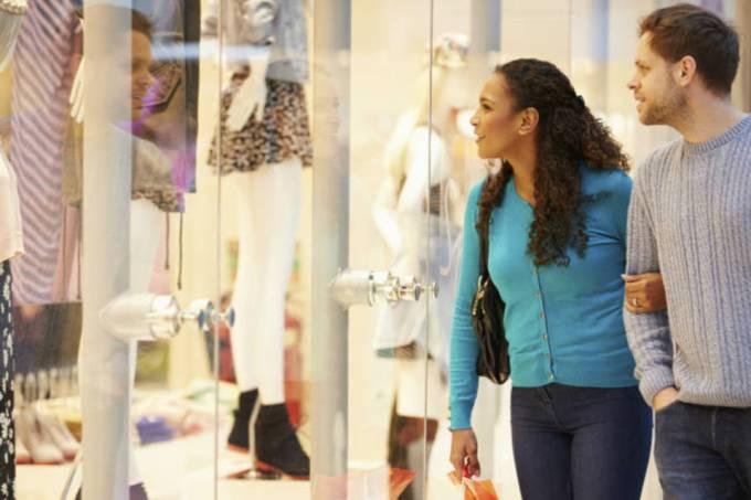 "10 respostas para convencer o cliente que ""está só olhando"""