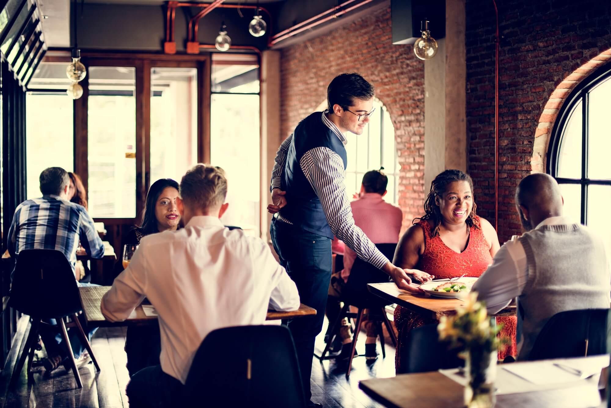 8 dicas para economizar recursos e evitar desperdícios no seu restaurante