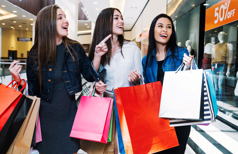 Como o merchandising pode ajudar a atrair e encantar clientes
