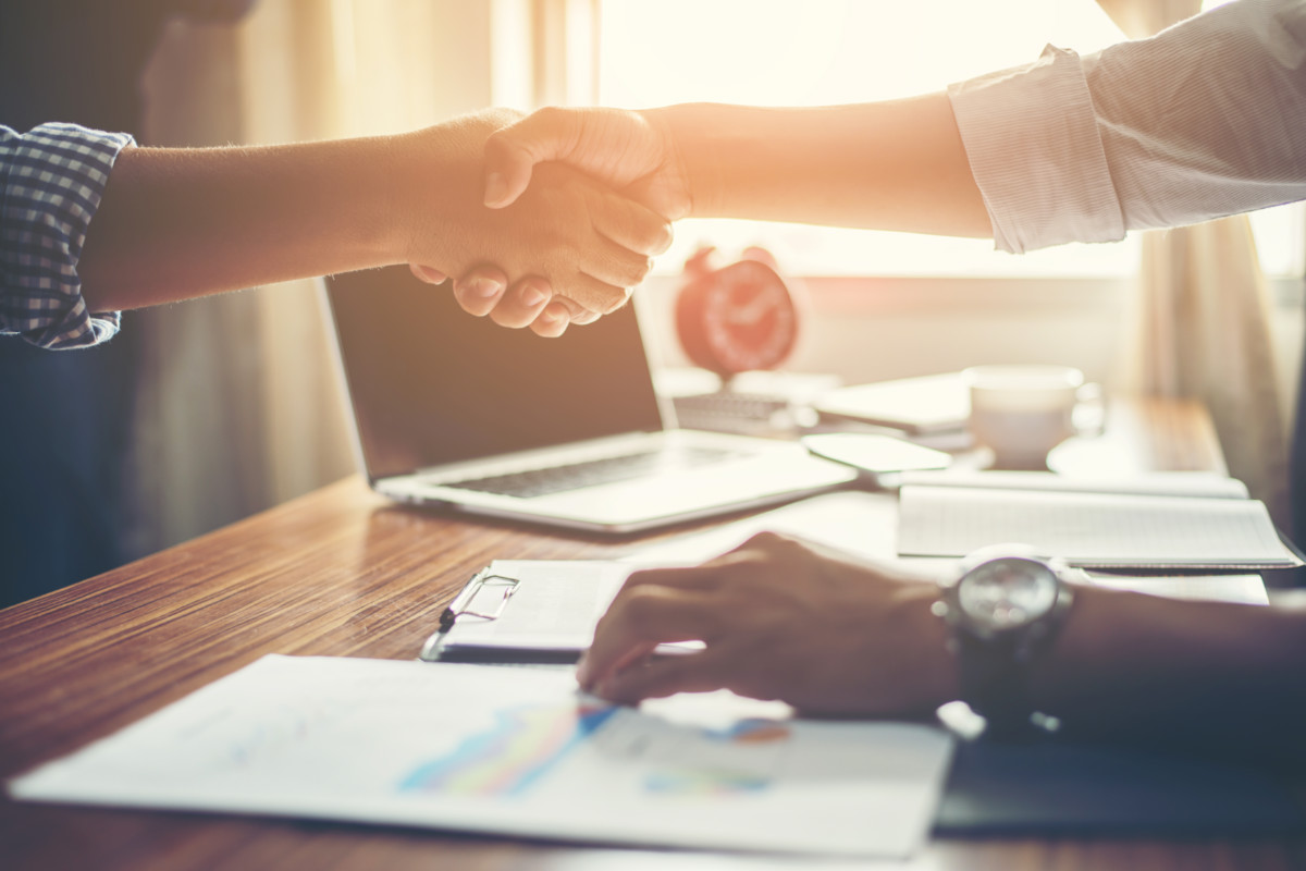 Entenda como a tecnologia pode ajudar na relação com os fornecedores